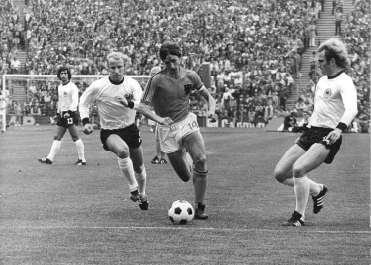 Johan Cruyff - Photo by Rainer Mittelstadt - CC-BY-SA-3.0-de