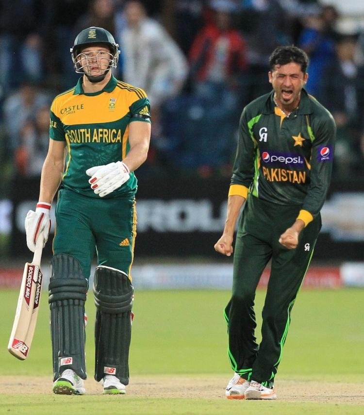 South Africa (David Miller) vs Pakistan (Saeed Ajmal) - Photo by saif.ssacbd - CC-BY-SA-2.0